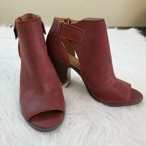 Lucky Brand 8 Laciann Vented Peep Toe Ankle Boot